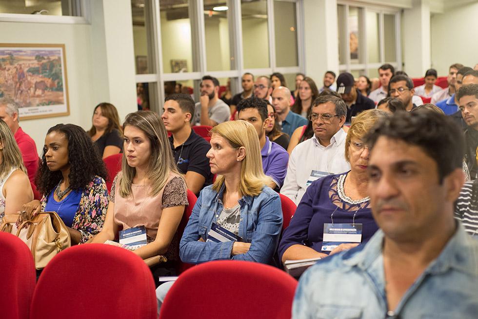 Aula Magna sobre Empreendedorismo e Terceiro Setor marca o início dos novos MBAs da Reges